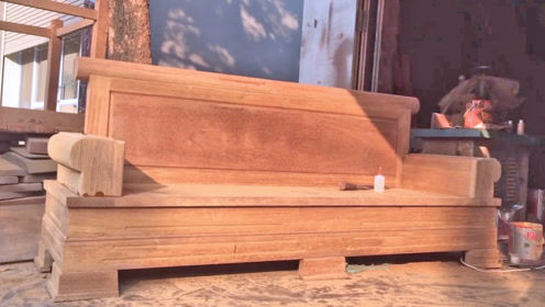越南人制作的实木沙发,用料比较实在,产品一看就很耐用