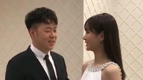 偶遇杜海涛和沈梦辰,两人眼神里充满了爱意,这一波狗粮我吃的可真饱!