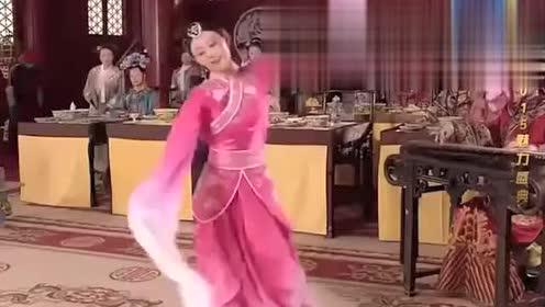 王祖蓝模仿孙俪跳《惊鸿舞》,美轮美奂,观众看傻眼了