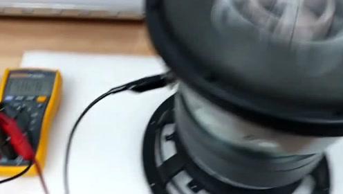 美国巨无霸喇叭低频测试,看这下潜,真的太猛了