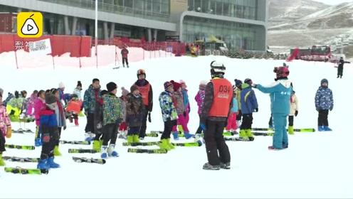 酸了!新疆万名中小学生雪场上体育课:凭学生证免费