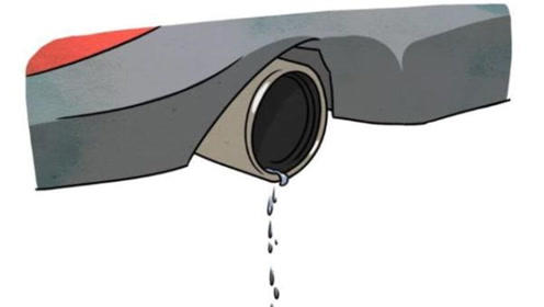 排气管滴水是好现象?90%的司机不清楚,其实车没毛病!