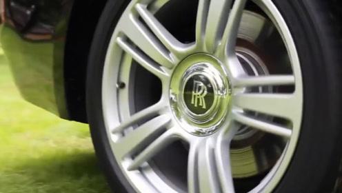 劳斯莱斯的黑科技:劳斯莱斯跑到时速160,轮胎上的双R才是亮点