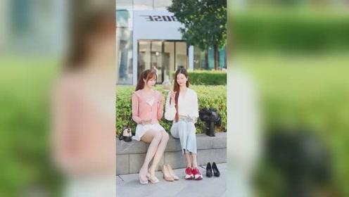 时尚街拍:女生和女生之间的感情,也许只有女生才会懂!