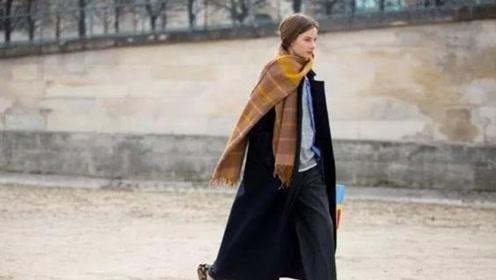 寒冬一件大衣是不够的,怎么办?只要加上一条围巾保暖指数5颗星