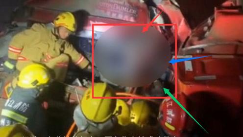 情况急救!两货车相撞两人被卡 消防紧急救援