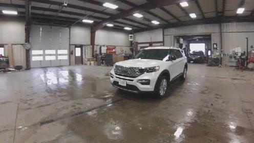 2020款福特探险者入库实拍,坐进车内看到内饰,才知道啥叫改变