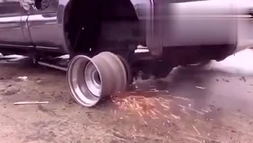 没有轮胎还能跑吗