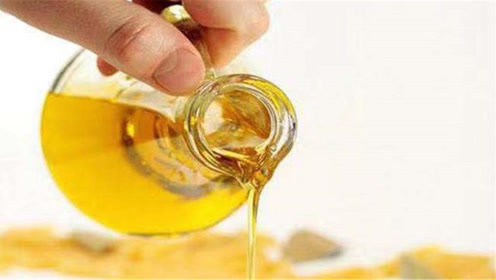 只需用一根棉签,就可以辨别你家里的油是否是地沟油,学会真实用