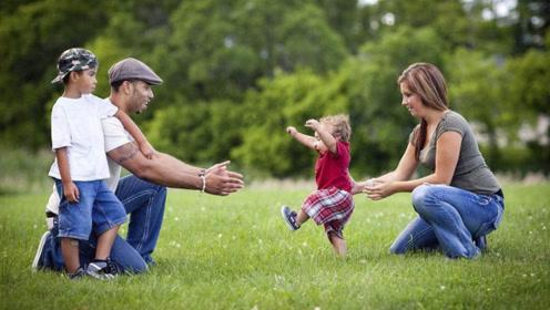 宝宝走路早晚和智商有关?宝妈别被忽悠啦,这些因素可能是关键