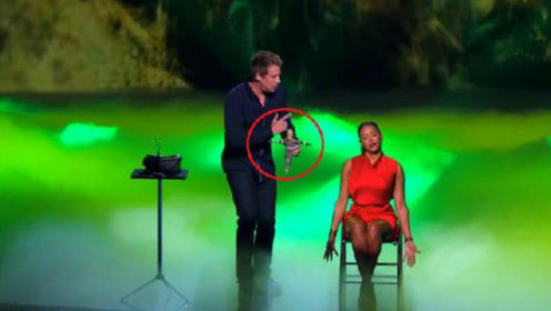 """小伙达人秀表演""""巫术"""",女评委被吓得愤然离场,观众却不淡定了"""