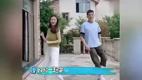 最近被老爸陪女儿跳舞刷屏了!网友:这真的不是男朋友吗!