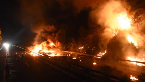 火烧连营!货车高速上自燃引发山火 消防数小时扑救