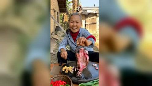 农村吃货大山里的美食
