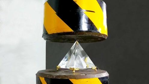 土豪用1000克钻石PK液压机,启动机器瞬间,网友:感觉痛失几个亿