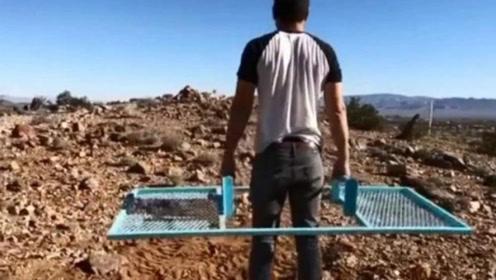 外国26岁小伙发明搬运神器,无烧油、不用电,造价仅需20元!