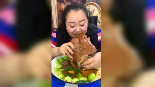 吃货胖姐牛脸美食开吃,这也太馋人了