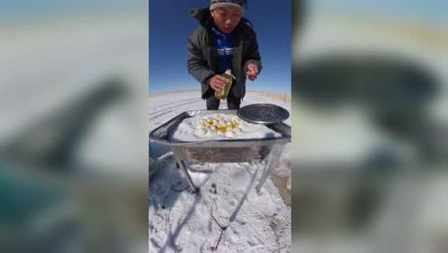 没有水用雪这样做煎饺,太扎心了!