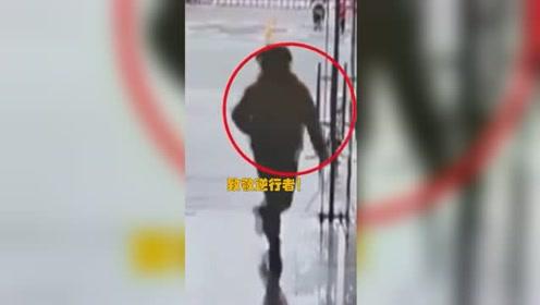 致敬!北川地震幼儿园老师逆行回教室疏导学生
