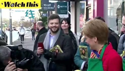 """苏格兰首席大臣:鲍里斯的""""完成脱欧""""是骗局 请为苏格兰民族党投票"""