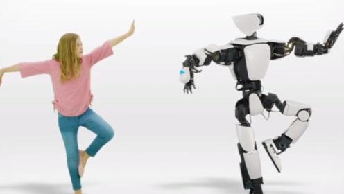 日本研发仿人类机器人,能和你同步完成高难度动作,可以随意操控