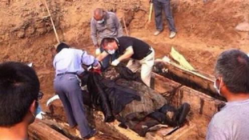 明代不腐尸体棺材里装满血液?广东出土百年古墓揭开古人过人智慧