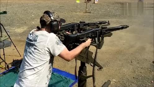 老外双持MG42机枪疯狂射击,真过瘾!