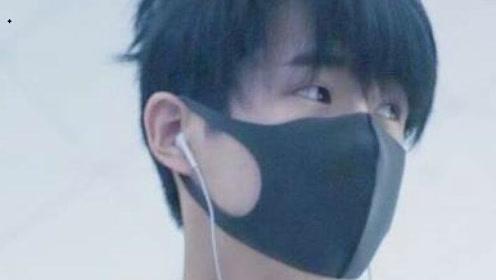 刘昊然被粉丝值机,换了航班耐心等待,网友呼吁大家理智追星!