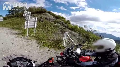 KTM 1190冒险VS凯旋虎800 XC穿越 摩托车视频
