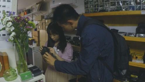 如果想在大学校园追女孩,你要先把家里的那台傻瓜相机找到