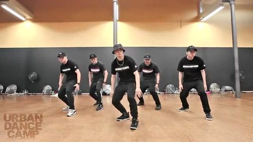 中国超炫酷机械舞秀,倒地站起那一刻,太酷了