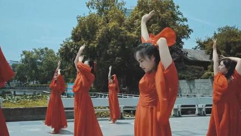《大鱼海棠》红衣翻飞演绎古典舞的柔美