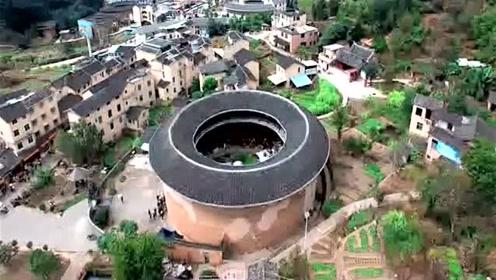 """高清航拍,被誉为""""神话般的山区建筑""""的, 福建漳州南靖土楼!"""