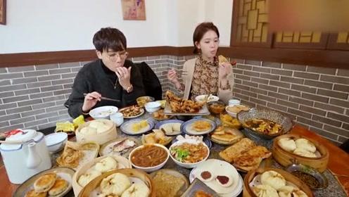 一大桌子菜,陈瑶竟全部吃完了,肚子都吃到鼓起来了!