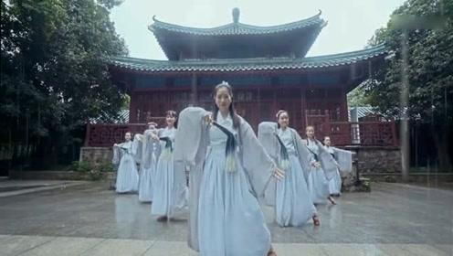 风里雨里,只爱跳中国舞!
