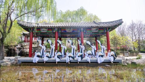 最美中国风!长腿小姐姐实力演绎《雪落长安》