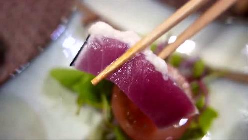 第一次吃石斑鱼寿司,紫色肉质真是海中珍品,鲜美嫩滑,肥而不腻