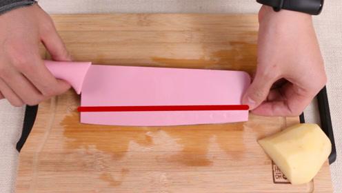 在菜刀上缠一根线,想不到切菜效果会这么棒