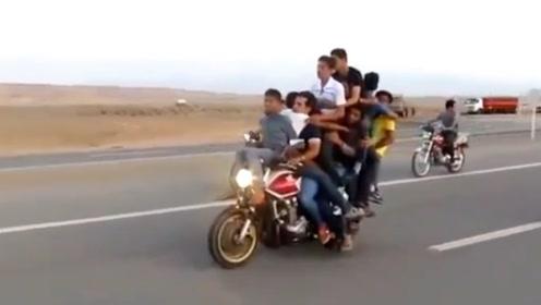 摩托车对于印度人,是万能的存在,比货车还好用
