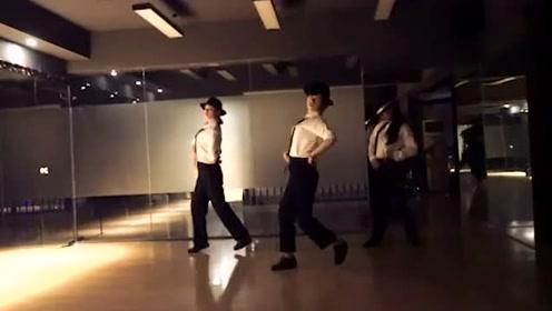 女生跳MJ的dangerous,原来可以最么帅,天呐