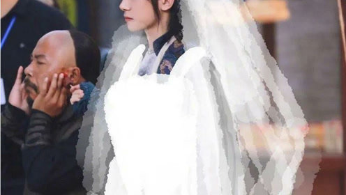 当易烊千玺换上婚纱,画面太美不敢看,网友:恋爱了!