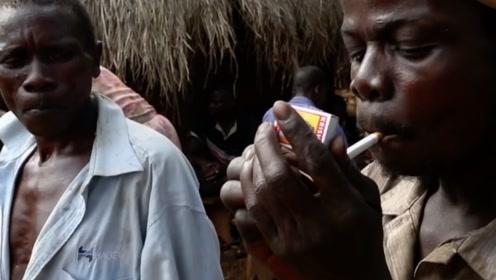非洲人虽然穷,但花钱却从不吝啬,口袋有一分就要花一分