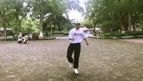 鬼步舞,蹦蹦跳跳太可爱,赶快来加入吧