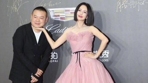 岳云鹏模仿女星摆造型 透露新片跟佟丽娅有吻戏