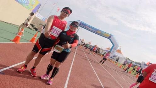 6旬夫妻11年跑160场马拉松,2人1年跑坏8双鞋