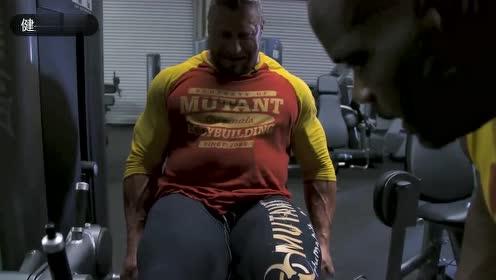 大块头肌肉男的腿部训练,你喜欢这种巨兽身材吗