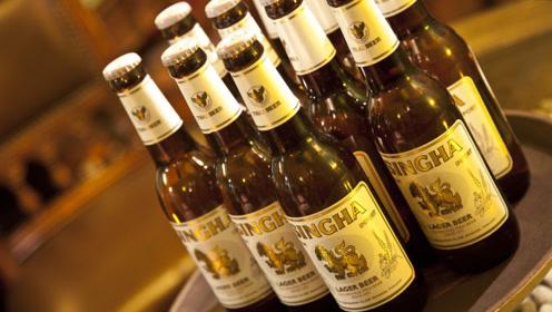 早期的啤酒,瓶口处包有一层铝箔纸,为何现在不见了?原因很简单