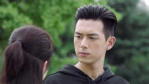 被问会和杨紫在一起吗,李现十字回答,网友:你和张一山是兄弟吧