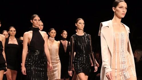 """为什么模特走秀时,设计师不允许穿内衣?感觉就是一个""""衣架子"""""""