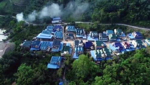 云南大山发现一座小村庄,每家每户都住独栋别墅,没人愿搬到城市